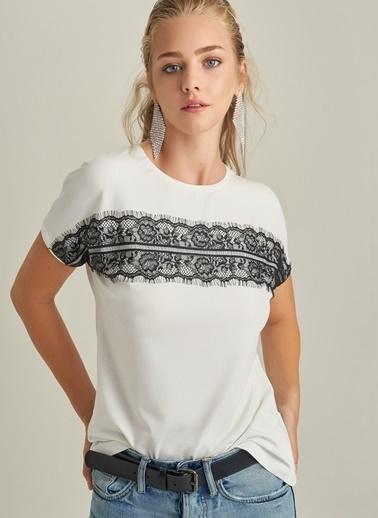 NGSTYLE Dantel Detaylı Tişört Beyaz